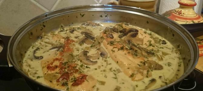 Escalopes de dinde, sauce crémeuse au cidre et à la moutarde