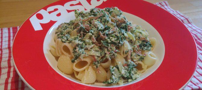 Pasta aux épinards, à la ricotta & au serrano